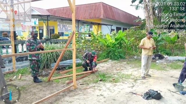 Demi Keamanan Warga Binaan, Personel Jaajran Kodim 0208/Asahan Bangun Poskamling Bersama Warga Binaan