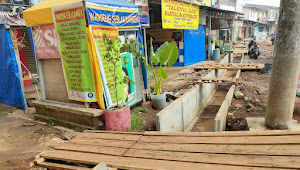 Lambatnya Pekerjaan Drainase Kalimulya Depok Di Keluhkan Para Pedagang