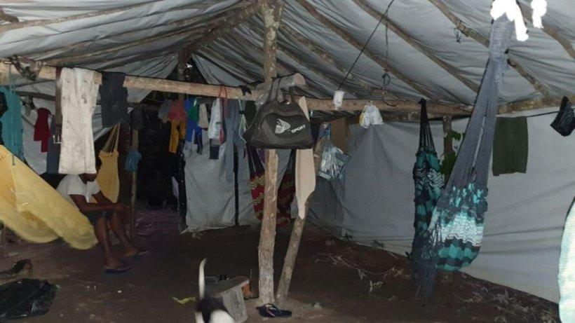 Crianças são encontradas entre trabalhadores vivendo em condições análogas à escravidão no Pará.