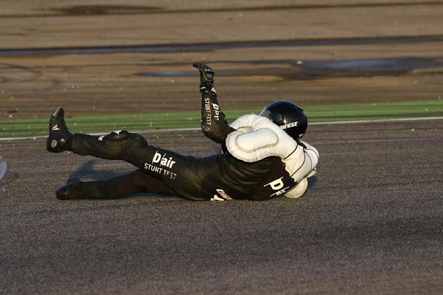 berita motogp : Aribag, akan digunakan pada baju balap MotoGP musim depan