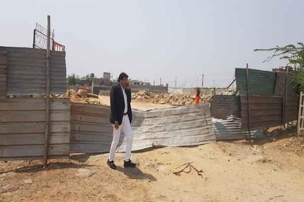 advocate-ln-parashar-caught-illegal-mining-construction-on-aravali-news