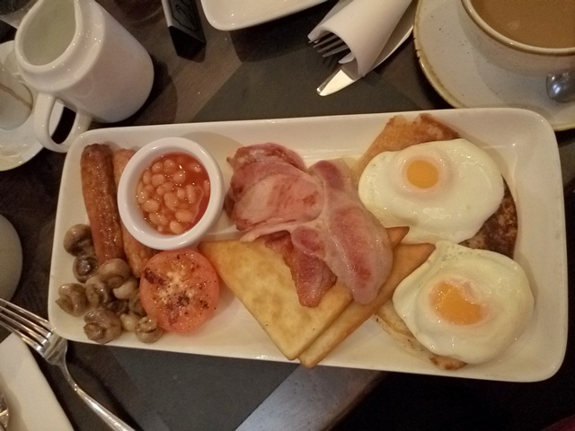 Desayuno en Ten Square Hotel Belfast