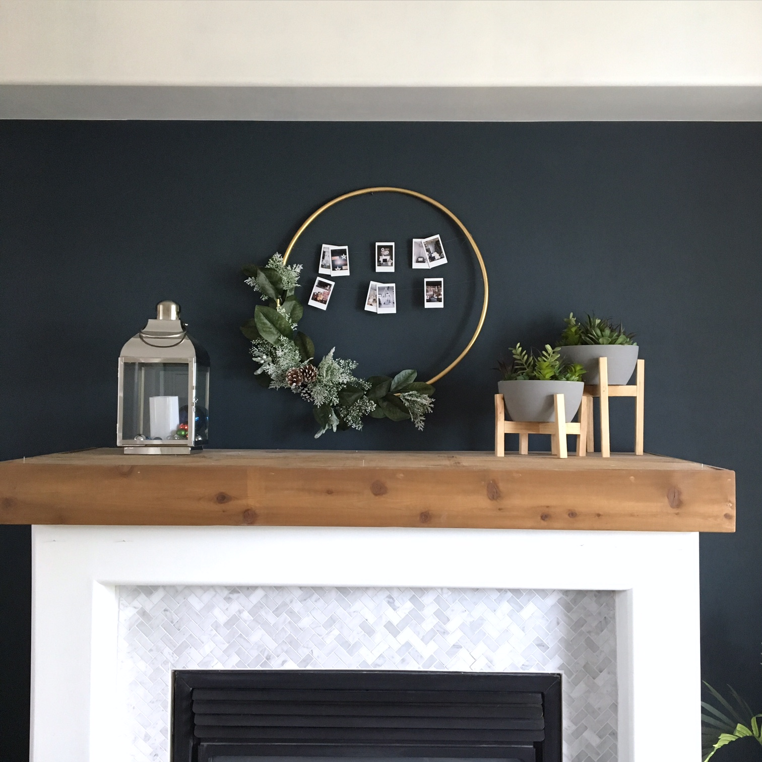 DIY-hula-hoop-christmas-wreath-harlow-and-thistle-3
