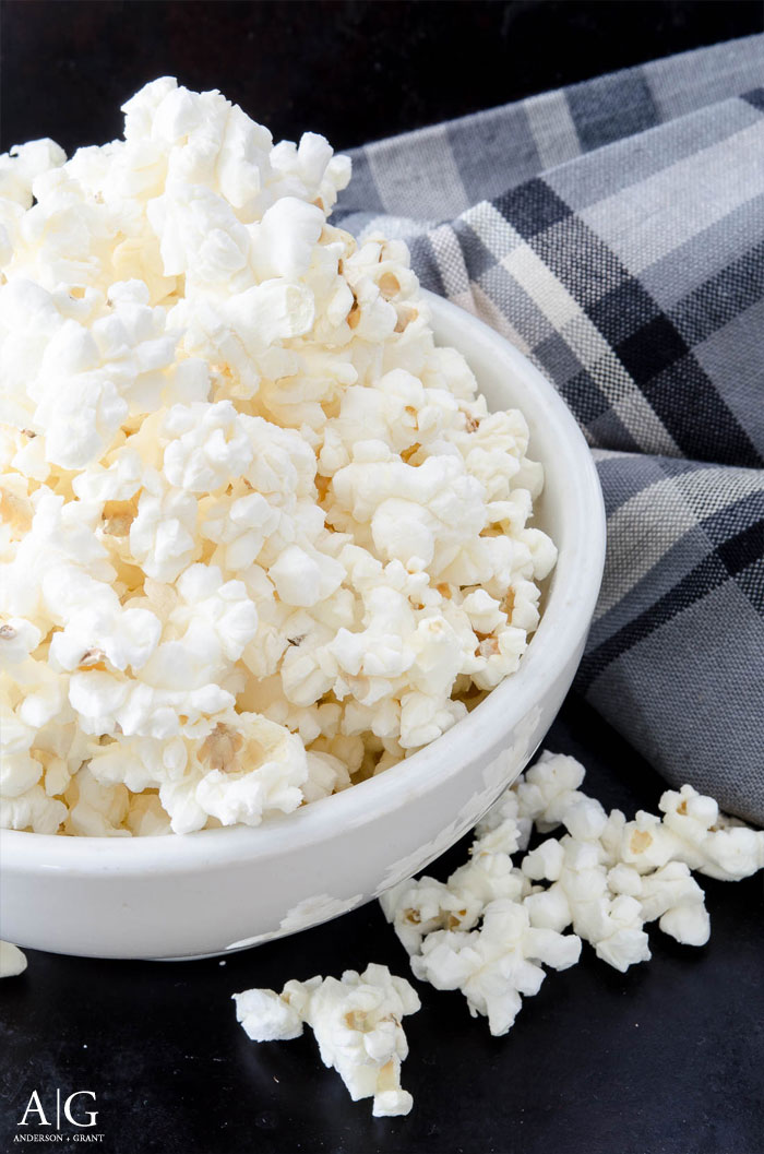 You'll never buy store bought microwave popcorn again after trying this all natural recipe #recipe #popcorn #snackrecipe #andersonandgrant