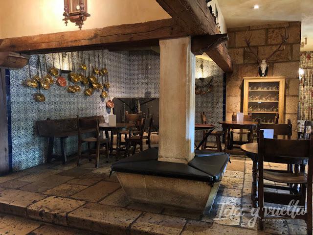 Hotel Landa Burgos cocina antigua en la cafetería del Landa