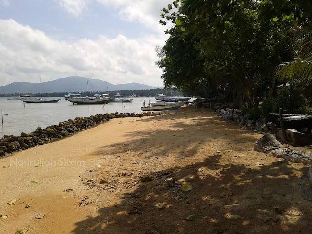 Pantai Timo' Kemujan