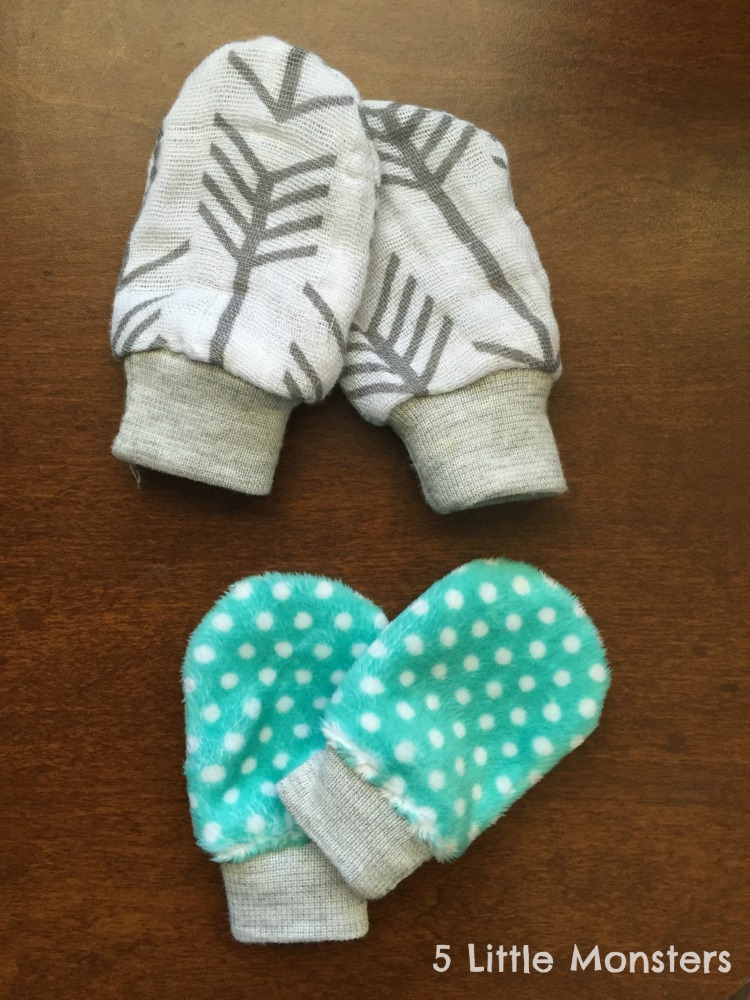 5 Little Monsters: No-Scratch Baby Mittens