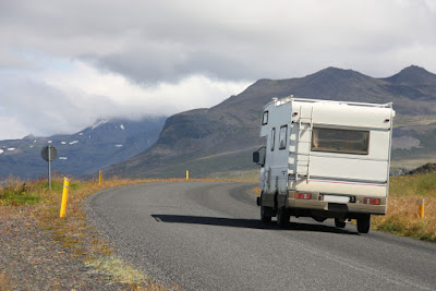 Autocarava en  ruta y viaje por carretera
