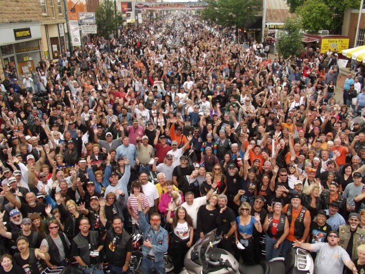 Rally de motos en EU genera 260,000 contagios de Covid-19; el peor caso de esparcimiento