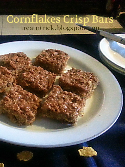 Cornflakes Crisp Bars Recipe @ treatntrick.blogspot.com