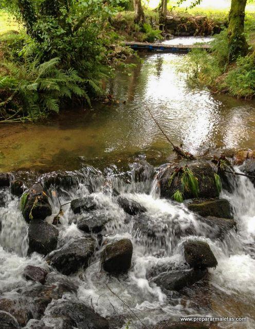 El bonito río Armenteira en Pontevedra