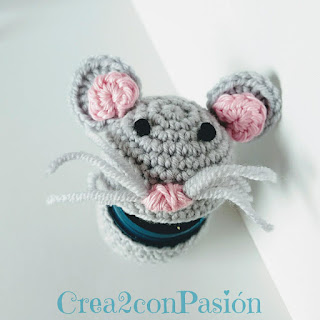 Raton-Perez-guarda-dientes-en-ganchillo-o-crochet-boca-abierta-Crea2-con-Pasión