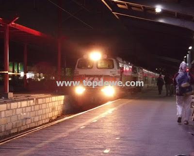 Kereta api Argo Bromo Anggrek Jakarta -Surabaya