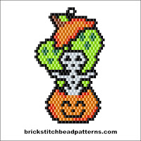 Click to view the Spooks in my Pumpkin Halloween brick stitch bead pattern charts.