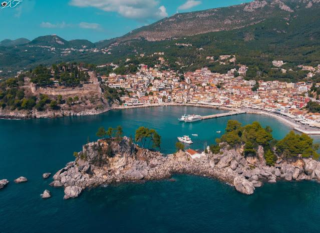 Το σχέδιο της ελληνικής κυβέρνησης για το ασφαλές άνοιγμα του τουρισμού το 2021 παρουσίασε ο υπουργός Τουρισμού, Χάρης Θεοχάρης, σε συνέντευξη Τύπου στο πλαίσιο της διεθνούς Τουριστικής Έκθεσης ΙΤΒ Berlin. Προσδιόρισε ως ημερομηνία για την επίσημη έναρξη της τουριστικής περιόδου 2021 στην Ελλάδα τη 14η Μαΐου, ενώ αποκάλυψε το κεντρικό σύνθημα της νέας προωθητικής εκστρατείας για τον ελληνικό Τουρισμό, το «All you want is Greece» («Το μόνο που θέλεις, είναι η Ελλάδα»).