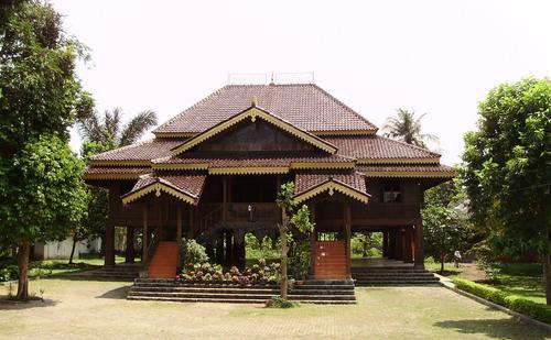 Gambar Rumah Adat Namanya Lengkap 34 Provinsi Indonesia Mewarnai Lampung