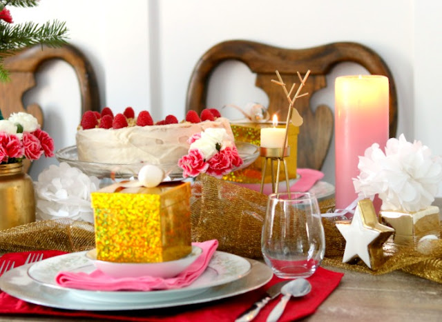 at home with jemma, gold, silver, white, reindeer, tablescape,holiday