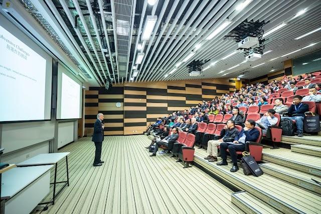 3 Public Speaking Habits of Public Speaking Expert