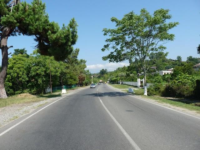Дорога из Сухуми в Кодорское ущелье
