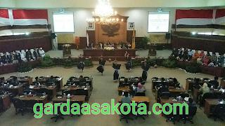 Sampaikan Pidato Terakhir dalam Rapat Paripurna Istimewa HUT NTB, TGB Puji Kinerja Dewan