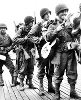2nd world war soldiers with guitars