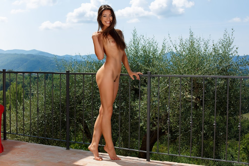 [MetartX] Lorena B - Enjoying Olive Trees 1 metartx 07030