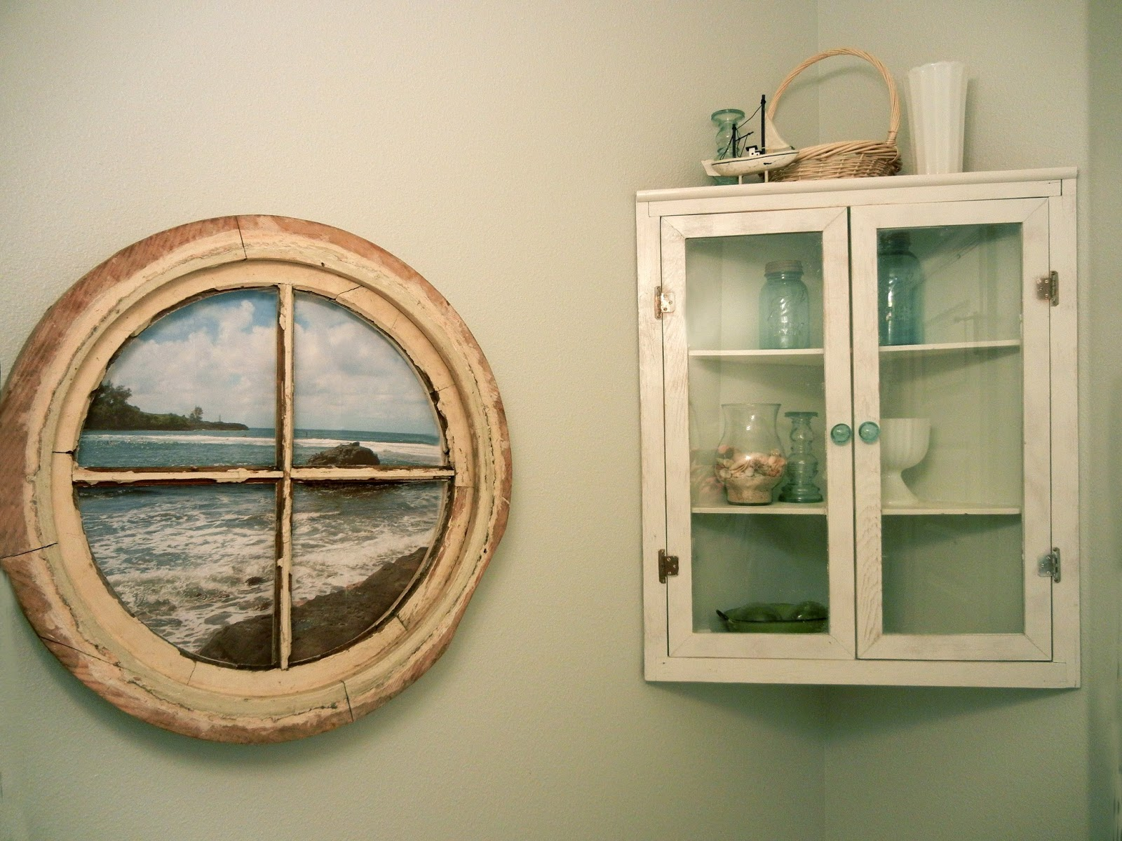 Photo Display Ideas: Windows into Picture Frames