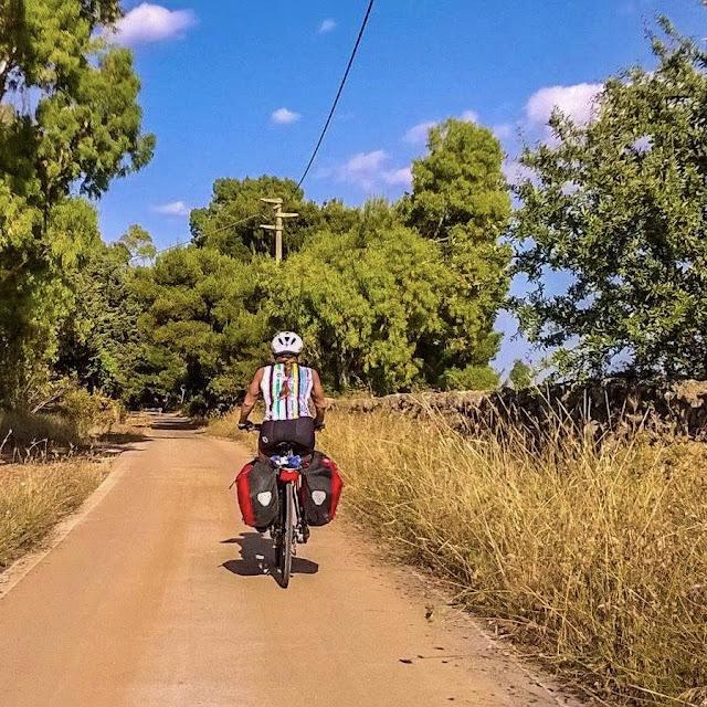 full carbon road bike rental in lecce cycling salento puglia nardo