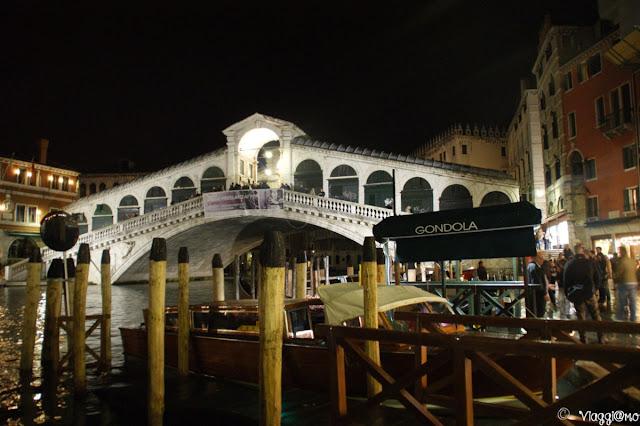 Il Ponte di Rialto e il Canal Grande a Venezia