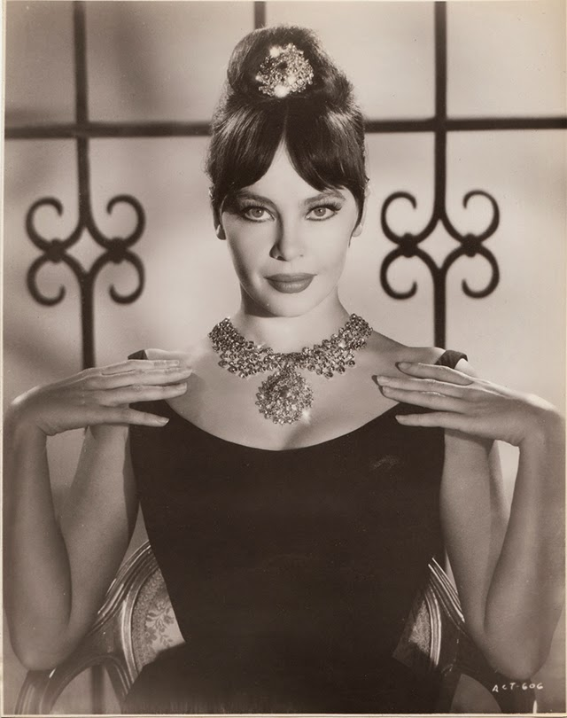 Beautiful Black And White Portraits Of Leslie Caron From -5987