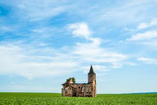 Ruined Church - Photo by sergio souza on Unsplash