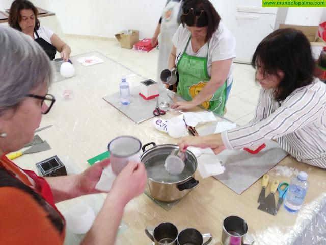 La Consejería de Artesanía ofrece un curso de perfeccionamiento en elaboración de objetos de cera
