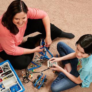 Coach Geo & Robotics Student