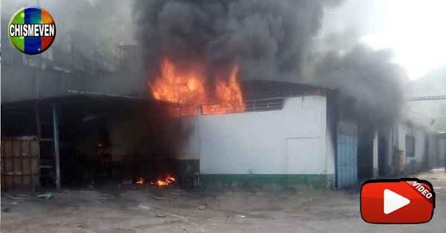 Se quemó un galpón en Petare y por poco provoca un desastre enorme