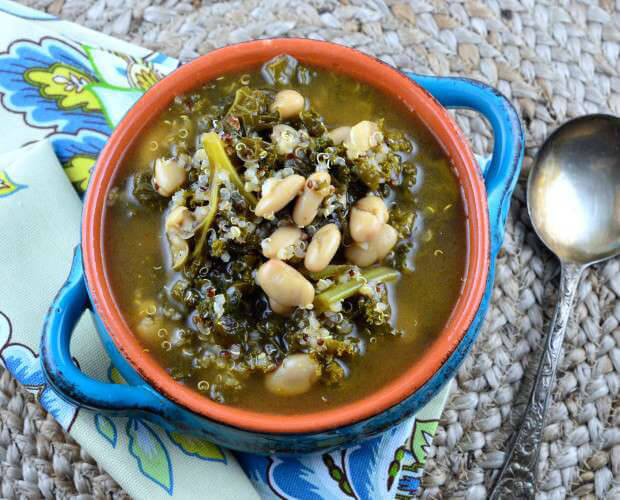16 Vegan One-Pot Recipes If Your Are Considering Cutting Animals Out Of Your Diet - Kale & Cannelini Bean Soup