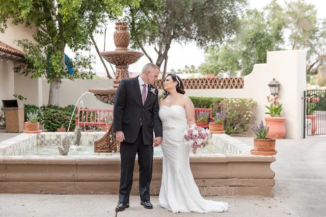 AZ Golf Resort Courtyard area bride and groom portrait