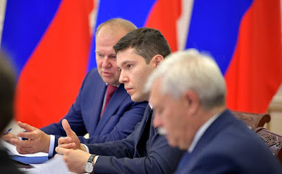 At a meeting on developing the transportation infrastructure in Russia's Northwest. Plenipotentiary Presidential Envoy in the Northwest Federal District Nikolai Tsukanov (left), Acting Governor of Kaliningrad Region Anton Alikhanov (centre), and Governor of St Petersburg Georgy Poltavchenko.