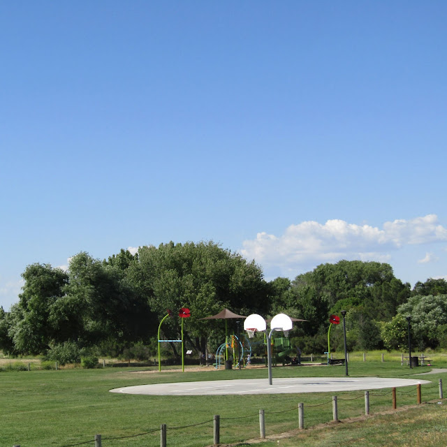 """""""Larry"""" Moore Park in Paso Robles: A Photographic Review - Basketball Court and Playground"""