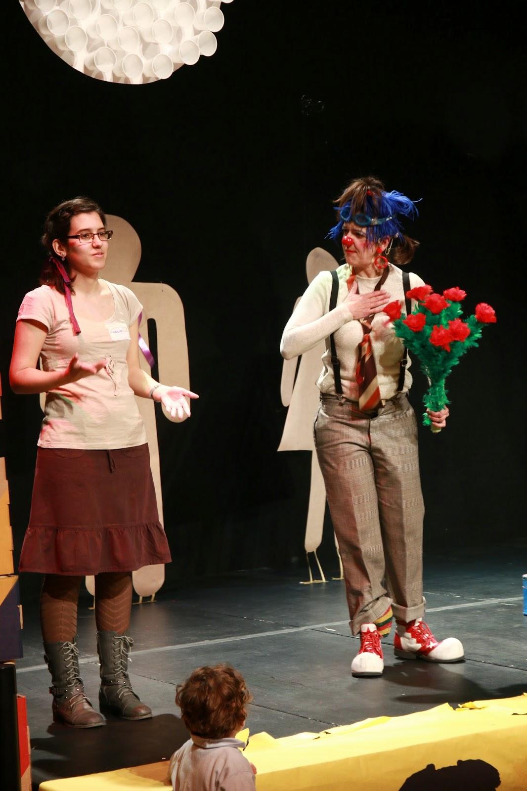 payasa, clown, teatro de calle, teatro infantil, teatro familiar, teatro para todos los públicos
