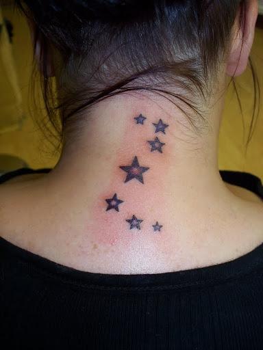 Estrela pescoço tatuagens para meninas - Um dos melhores da tatuagem ideia para as meninas bonitas