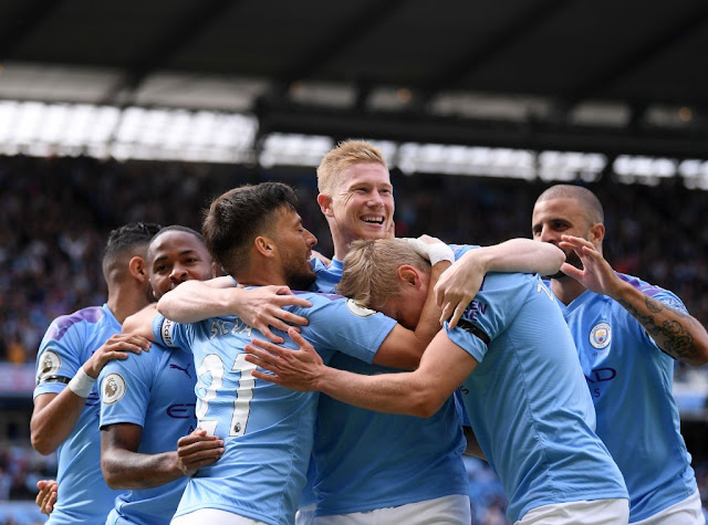 Kevin De Bruyne all smiles as Man city players celebrate a goal in the Premier League