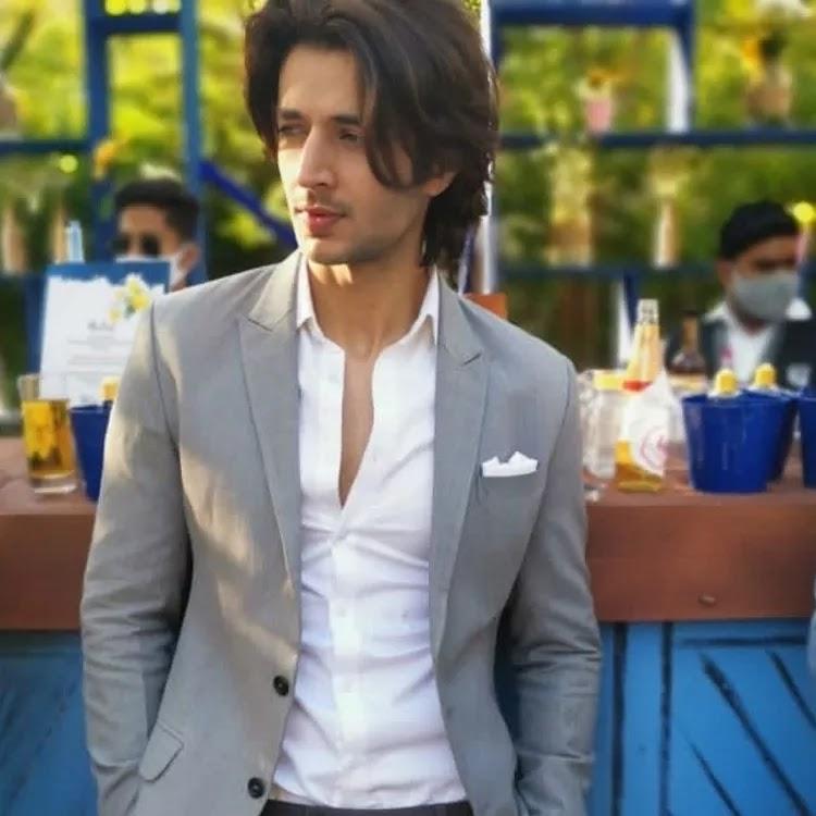 Siddharth Gupta Hairstyles