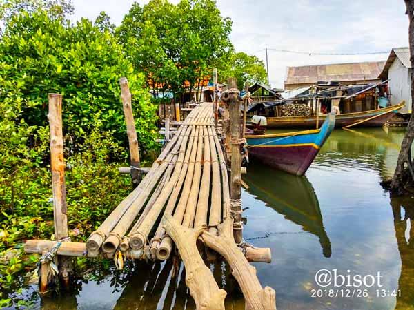 PT PJB UP Muara Tawar Salurkan CSR Untuk Perbaikan Jembatan di Sembilangan