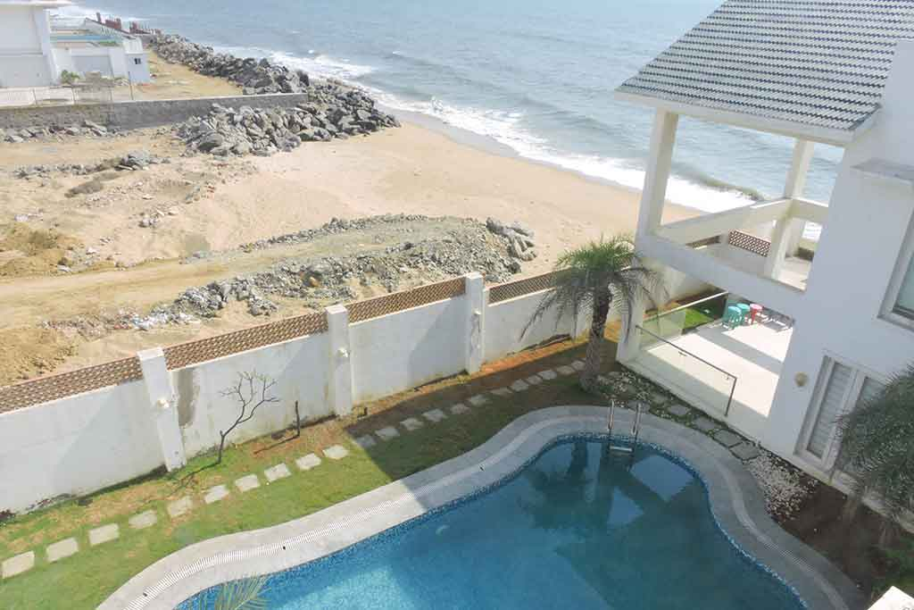 aquazi beach house ecr