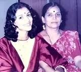 सुप्रिया पिलगांवकर अपनी जवानी में अपनी माँ के साथ