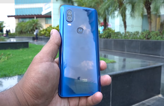 Motorola One Vision भारत में हुआ लॉन्च, 15W की फास्ट चार्जिंग का सपोर्ट है मौजूद !, Motorola one vision launched in India, know it's price and specifications
