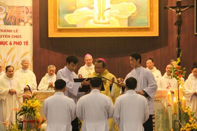 Lễ truyền chức Phó tế và Linh mục tại Giáo phận Lạng Sơn Cao Bằng 27.12.2017 - Ảnh minh hoạ 129