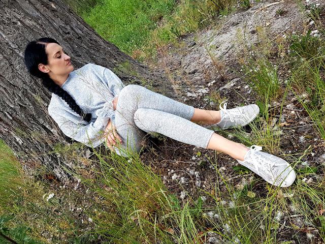 Femme Luxe Finery - loungewear - odzież - moda damska online - zakupy online - summer 2020 - fashion blog - blog modowy - dresy damskie - odzież na co dzień - odzież domowa - odzież do pracy w domu - home office