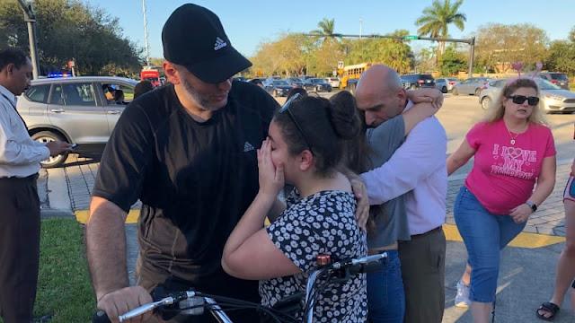 Salahkan FBI atas Penembakan, Trump Dikecam Siswa Florida