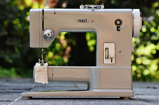 How to choose the right sewing machine?